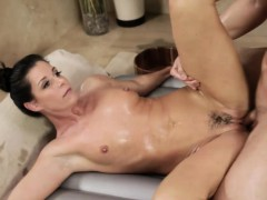 sexy-masseuse-gets-pounded-by-her-client-after-massage