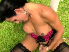 black-hair-t-girl-beauty-masturbates-in-stockings-and-jizzes