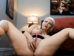 squirting-slut-sabrinacastelloxxx-with-a-butt-plug-alivegirl