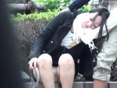 asian-teen-pees-in-public