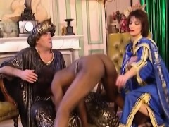 African Slut Blows And Gets Fisted In Threesome