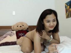 shiina-amateur-asian-babe-at-home-talking