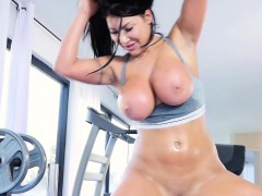 teamskeet-august-taylor-gets-fucked-after-workout