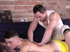 European Twink Tugging By Ripped Masseur