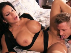 brazzers-mommy-got-boobs-playtime-with-te