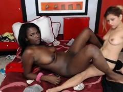 Amateur Ebony Strapon