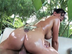 brazzers-big-wet-butts-tory-lane-and-keir
