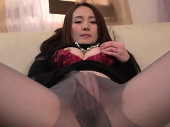 japanese-playgirl-fascinates-with-passionate-wang-sucking