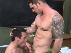 meaty-anal-in-the-lockers