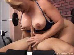 Beautiful Mature Amateur With Lovely Big Tits Shows You How