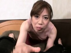 large-mature-momma-kisses-with-her-sexy-paramour