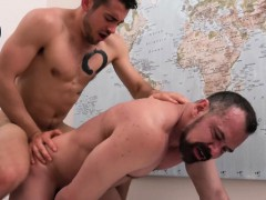young-stud-taught-how-to-fuck-by-his-scruffy-older-daddy