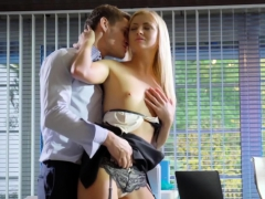 hot blonde babe cayla lyons nails her coworker in the office WWW.ONSEXO.COM