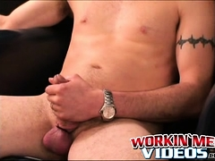 homo-plumber-tugging-and-stroking-until-a-happy-ending