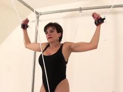 Adulterous English Milf Lady Sonia Showcases Her Huge Knocke
