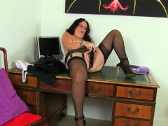 english-gilf-elle-gets-turned-on-in-her-leather-outfit