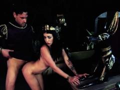 stevie-shae-in-cleopatra