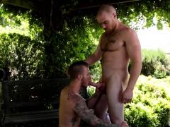 Hairy jock covers muscular stud with jizz