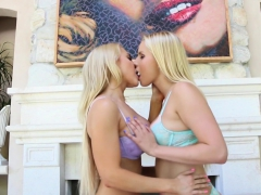 Hot Blondes Alix And Vanessa Use Their Mouths On Each Other
