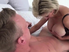 Unfaithful Uk Milf Lady Sonia Exposes Her Large Hooters61gtl