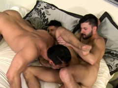 bum-chums-in-gay-threesome-simply-awesome