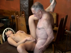 amateur-daddy-anal-sex-and-old-man-creampie-hd-first-time