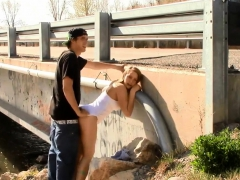 quickie-sex-by-a-bridge-with-traffic