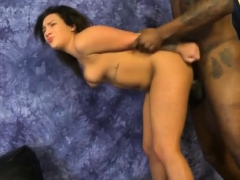black-amateur-ghetto-whore-pounded-in-the-face-and-pussy
