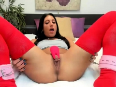 kinky-babe-shows-pussy
