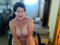 old-butt-slut-enjoys-singing-on-cam-negrofloripa