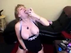 DeepThroat dildo mature