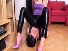 dominant-ladies-smother-slaves