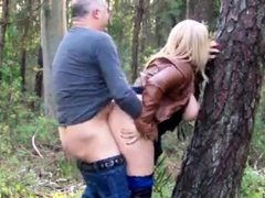 big-ass-daniella-gets-creampie-outdoors