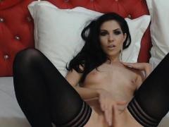 horny-amateur-sexy-babe-solo-pussy-masturbation