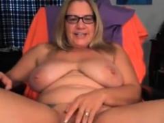 mature-bbw-solo-on-webcam