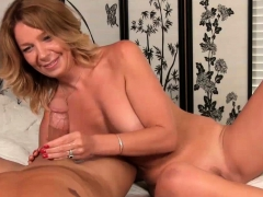 milfs-got-her-special-focus-on-big-cocks
