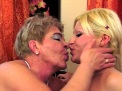 pussylicking gilf finger banging les amateur – Free XXX Lesbian Iphone