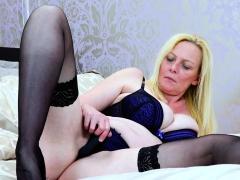 Europemature Blonde Suzie Solo Showoff