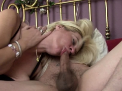 exchanging-oral-and-getting-rammed-in-the-bedroom