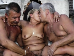 omahotel-pictures-of-grannies-and-moms