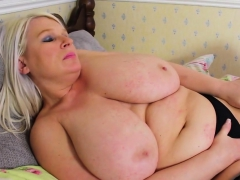 bbw-alice-knows-how-to-masturbate-properly