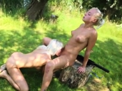 woman flashing naked girls with guns HD