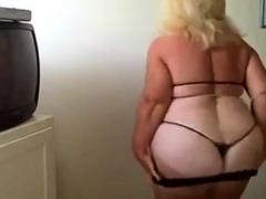 bbw-granny-dance-on-webcam