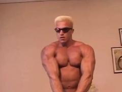 Muscle Bodybuilder Rimjob With Cumshot