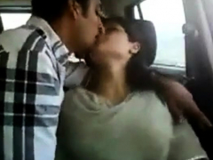 indian-couple-in-car-gets-naughty