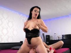hitzefrei german milf finds herself a big penis to fuck