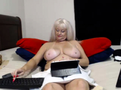 great amateur video of great mature big boobs poking