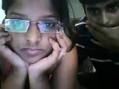 amateur-indian-desi-masturbation-on-webcam