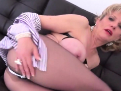 Adulterous English Mature Lady Sonia Shows Her Massiv82kgx
