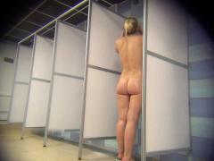 voyeur-on-shower